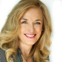 Wendy Renee loan officer headshot